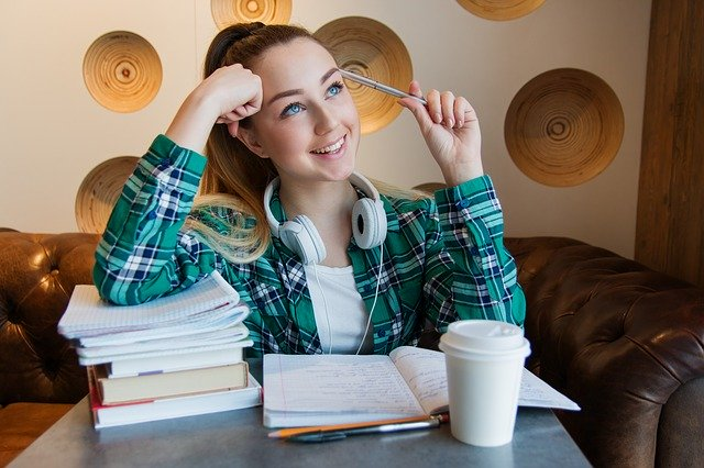Should You Think in Native Language While Writing IELTS Essays